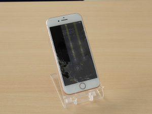 ガラスがバキバキ 画面割れ 液晶漏れ iPhone8の液晶画面交換に岐阜市よりご来店!アイフォン修理のクイック岐阜