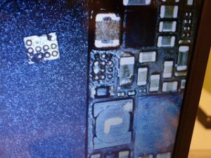 岐阜市 お手洗い水没 iPhone5S 水没修理 写真データ復旧の基板修理 アイフォン修理のクイック岐阜