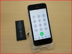 iPhone5sのバッテリー交換修理で岐阜市内からご来店 アイフォン修理のクイック岐阜
