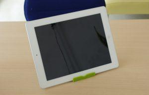 iPad4の充電ケーブルの端子が折れてしまい刺さったままのドック交換修理に日進市よりご来店!アイパッド修理もクイック岐阜