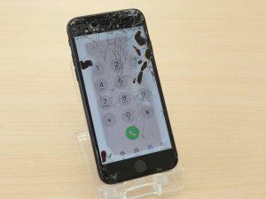 各務原市よりiPhone7のガラス割れ液晶交換修理にご来店~♪アイフォン修理のクイック岐阜